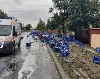 Vâlcea: Lăzi cu bere dintr-un TIR au căzut peste o femeie la Drăgășani | VIDEO