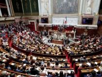 Franţa: Certificatul sanitar, validat de Parlament