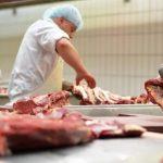 Importurile de carne, aproape de cinci ori mai mari decât exporturile