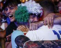 Italienii au celebrat în stradă triumful de la EURO 2020 | VIDEO
