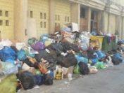 Alba Iulia: Autoritățile vor să declare stare de urgență din cauza gunoiului neridicat de câteva zile | AUDIO