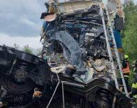 Două trenuri s-au ciocnit în Cehia: cel puțin 2 morți și 50 de răniți | VIDEO