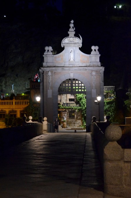 Toledo by night 04