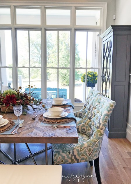 Bright and airy dining room with traditional and rustic elements /// Woodridge Home Tour by Atkinson Drive