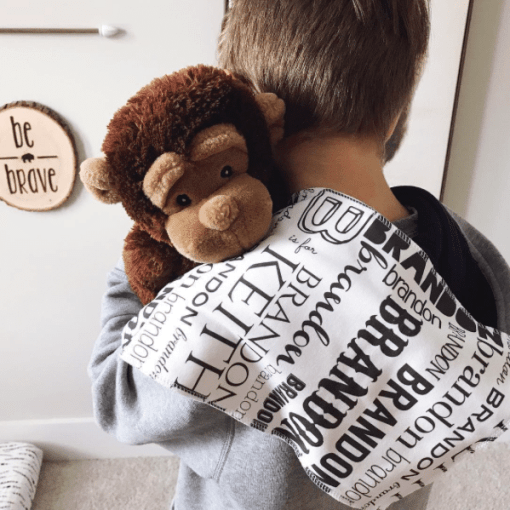Our personalized burp cloth in organic cotton is a great way to absorb all the guck little ones give off! Give one as a gift for your most special little friends.