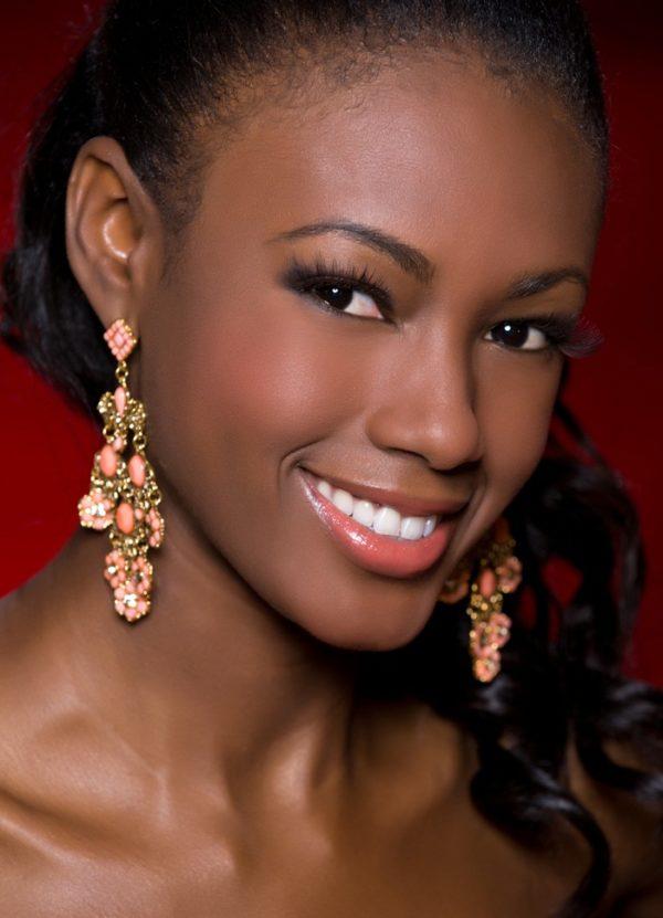 Garifuna Woman KENIA MARTINEZ (Miss Honduras)