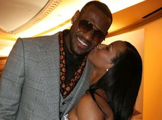 LeBron James married to highschool sweetheart