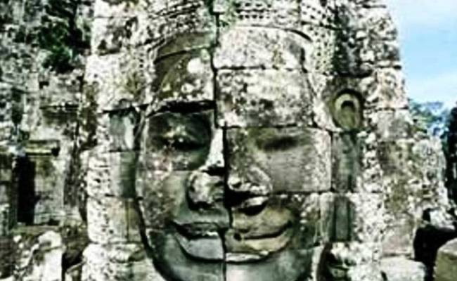 A FACE FROM THE BAYON (2)