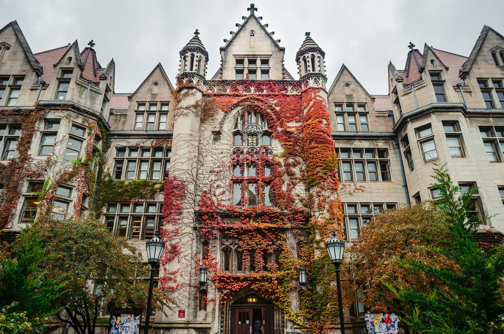 University of Chicago to Incoming Students Say Goodbye to