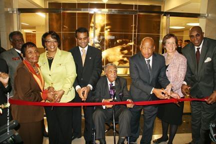 Marting_Luther_King_Jr._federal_building.jpg
