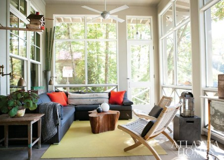 With a breathtaking view of Lake Rabun and the adjacent Chattahoochee National Forest, the screened porch brings the outdoors in—and vice versa. The sectional sofa from Kolo Collection offers an ideal spot for napping.