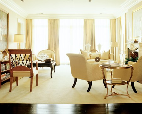 """34) Stan Topol's scheme for a high-rise living room fits his clients' lifestyle to a """"T."""""""