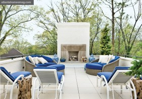 "En Plein Air Roof Terrace, Dan Belman and Randy Korando By melding a classic blue-and-white color scheme with modern furnishings, the design of the home""s rooftop terrace was taken to a whole new level."