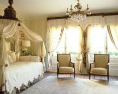 54) Randy Korando and Dan Belman transformed a ho-hum bedroom into an exquisite French-inspired retreat.