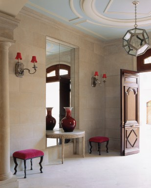 47) John Oetgen designed this foyer based on a Parisian hotel particulier.