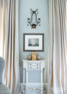 """A soft but tailored vignette in the formal living room encapsulates Williams's aesthetic to a """"T."""""""