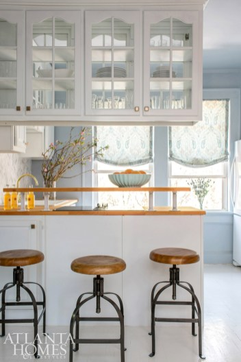 The light-and-bright eat-in kitchen.