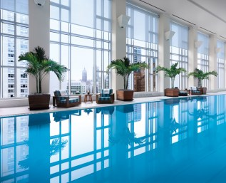 The Spa Pool offers sweeping city views.