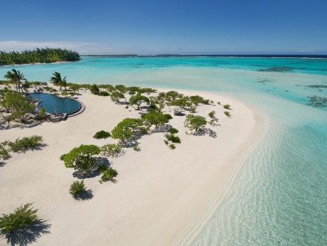 The crystal-clear waters and pristine beaches of Brando.