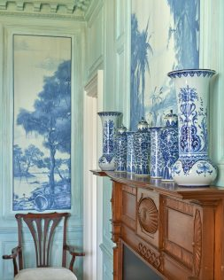 Custom murals resembling blue-and-white porcelain echo favorite ports of call.