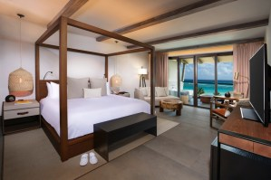 Guest suites showcase organic materials and local artwork.