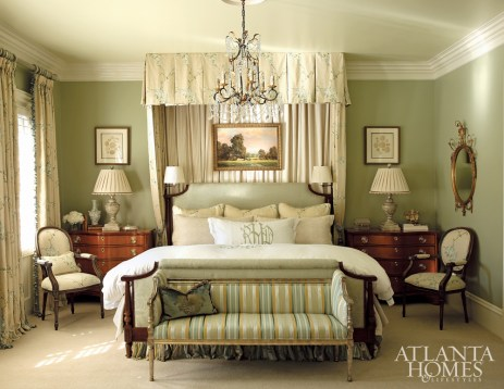 In the master bedroom, Gramercy Home linens grace the Ferrell Mittman St. George bed, sourced from Ainsworth-Noah, while the sumptuous canopy and English oil painting were repurposed from the Hazen's previous residence.