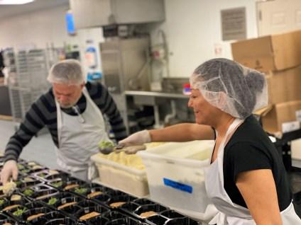 Kitchen-Volunteers