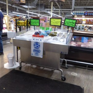 Mobile Self Service Iced Display Table for Seafood - transforMerchandiser - Atlantic Food Bars - MIT4836-SSKT-WSKT 2