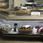 Custom Angled Ice-Only Non-Refrigerated Seafood Case with Front Grab and Go Bunkers - Atlantic Food Bars - FSM-KK 4