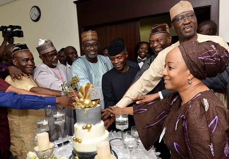 Staff-of-the-Office-of-the-Vice-President-and-some-Cabinet-members-in-a-surprise-photo-session-with-the-Vice-President-on-his-61st-birthday