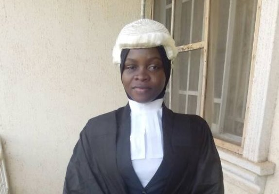 Law school clears Hijab wearing lawyer