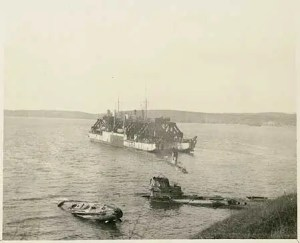 Cyklop with 3 U-Boats