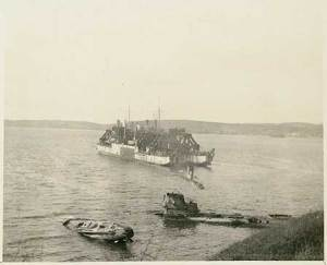 Cyklop with 3 U-Boats