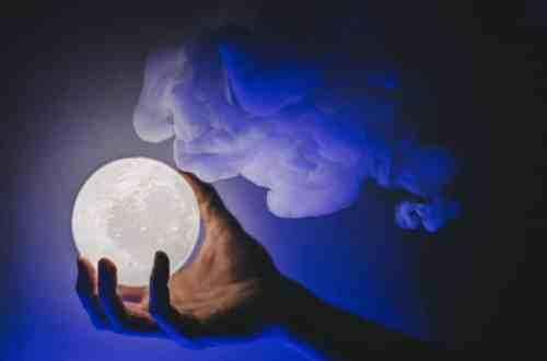 Blestemul Lunii Albastre