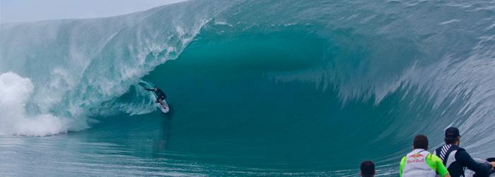 red-bull-mito-de-nazare-big-waves