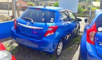 2015 Toyota Vitz (blue) full
