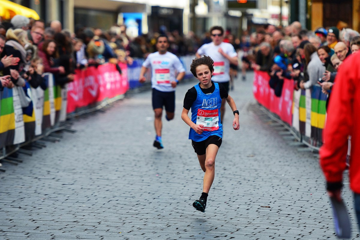 Timo finisht in de Stevensloop