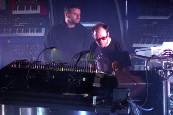 The_Chemical_Brothers_performing_in_Barcelona,_Spain_(2007).jpg
