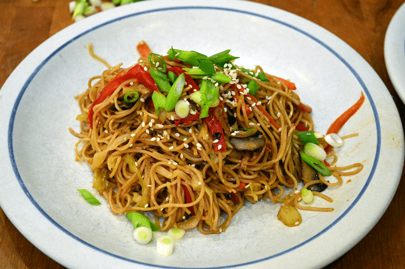grannie geek, vegetable chow mein serving