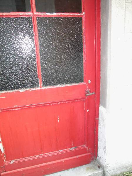 Glazed wood door with old clenche