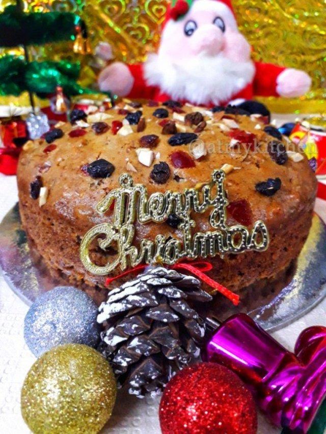 Eggless Christmas Cake Recipe / Rich Fruit Cake / Rum Fruit And Nut Cake