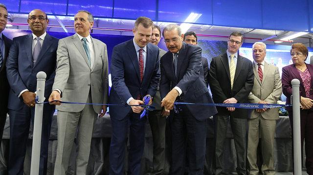 Danilo asiste a inauguración cuarta planta dispositivos ...
