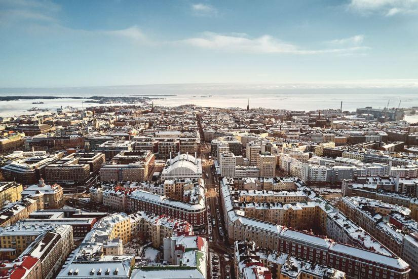 Panoramica de Helsinki nevada