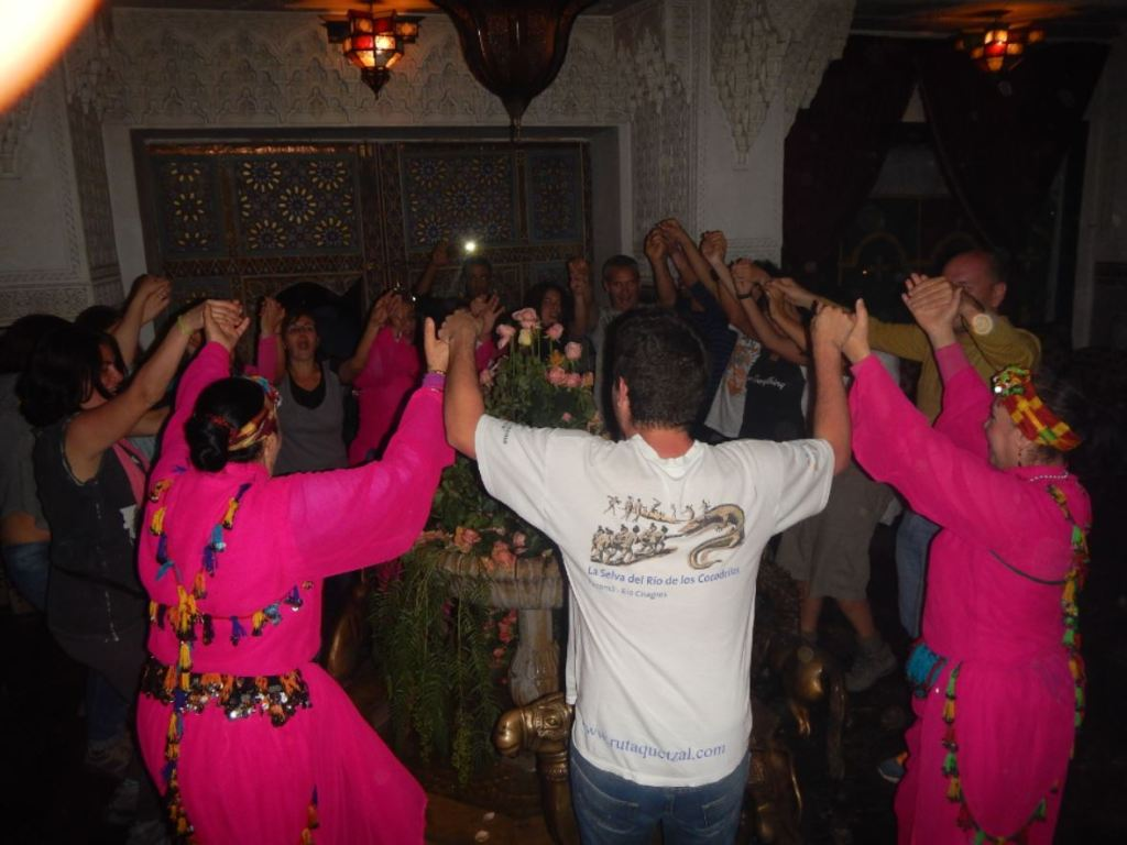 bailando con amigos