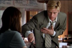 Hur hanterar du din slips? (Bild från filmen Meet Joe Black)