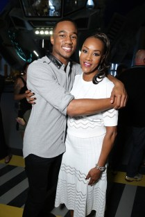 """EXCLUSIVE - Jessie Usher and Vivica A. Fox seen at the """"Independence Day Resurgence"""" Global Production Event on Monday, June 22, 2015, in Albuquerque, New Mexico. (Photo by Eric Charbonneau/Invision for Twentieth Century Fox/AP Images)"""