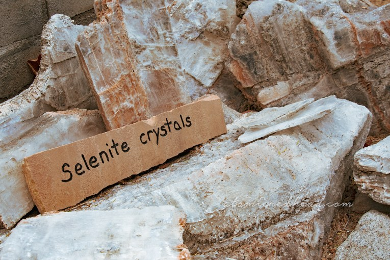 Yellowish-white selenite crystals.