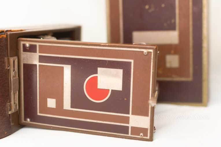 Kodak Gift Camera. When folded the same deco design is visible on the camera.