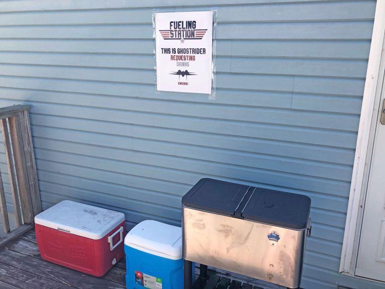 Top Gun Fueling Station Sign