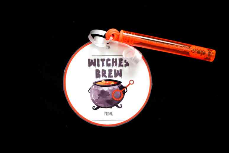 Candy-free halloween gifts: Witches brew bubbles